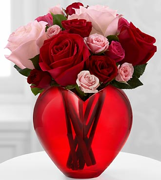 FTD My Heart to Yours Rose Bouquet in Hollister CA, Barone's Westlakes Balloons and Gifts