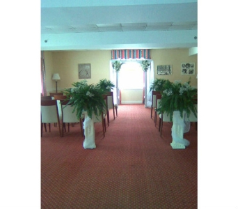 White column rental in Cooperstown NY, Mohican Flowers