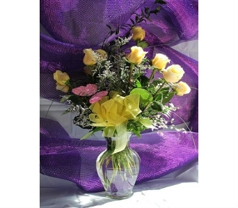 Dozen Long Stem Yellow Roses in Bossier City LA, Lisa's Flowers & Gifts