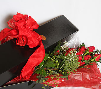 Morrison''s Presentation Roses in a Black  Box in Williamsburg VA, Morrison's Flowers & Gifts