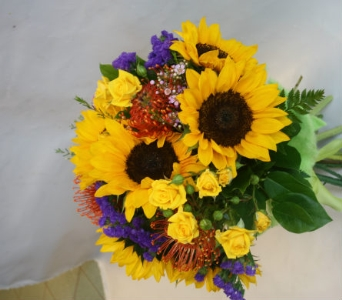 SUNBURSTCUT BOUQUET in Victoria BC, Fine Floral Designs