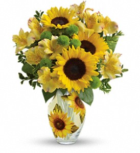 Teleflora's Soak Up The Sun Bouquet in Tampa FL, Moates Florist