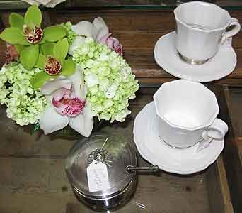 Match Tableware in Blue Bell PA, Country Flower Shoppe