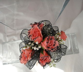Roses with black accents in Greenville SC, Expressions Unlimited