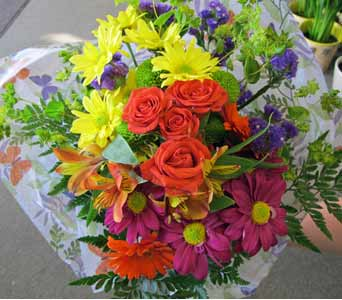 Dynamic Colors Cut Flower Bouquet in Amherst NY, The Trillium's Courtyard Florist