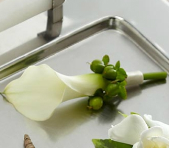 Miniature Calla Lily Boutonnie in Trumbull CT, P.J.'s Garden Exchange Flower & Gift Shoppe