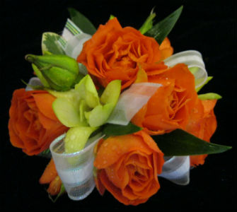 Orange Spray Roses in Farmington CT, Haworth's Flowers & Gifts, LLC.