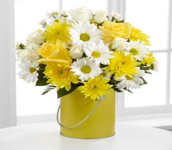 The FTD� Color Your Day With Sunshine� Bouquet in Wichita KS, Lilie's Flower Shop