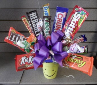 CANDY BAR BOUQUET-local delivery only in Circleville OH, Wagner's Flowers