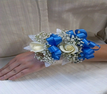 ROSE CORSAGE in Bellmore NY, Petite Florist