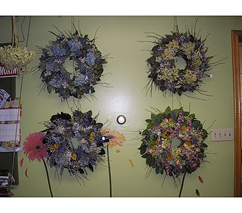 Dried Wreaths with Mixed Colors in Somerset PA, Somerset Floral