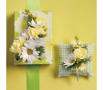 Yellow Wedding 8 in Albuquerque NM, Silver Springs Floral & Gift