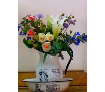 Vintage Antique Pitcher & Bowl Set in Orinda CA, Misaghi Design Orinda Florist