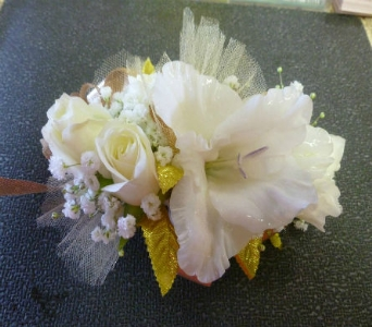 Wrist Corsage 2 in Frankfort IL, The Flower Cottage