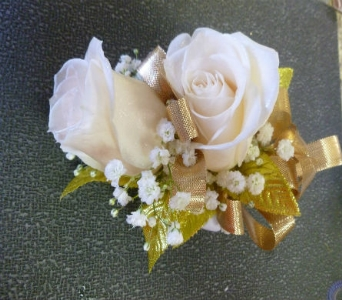 Wrist Corsage 3 in Frankfort IL, The Flower Cottage