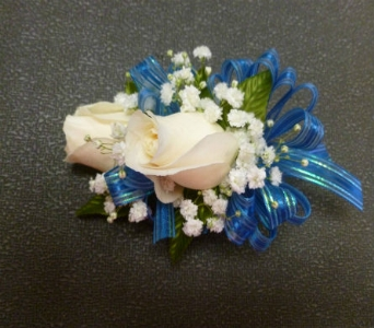 Wrist Corsage 4 in Frankfort IL, The Flower Cottage