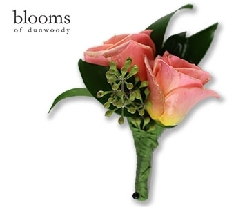 Peach Sweetheart Roses Boutonniere in Dunwoody GA, Blooms of Dunwoody