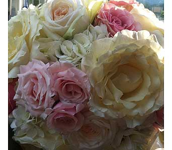 Garden rose bouquet 2 in Sevierville TN, From The Heart Flowers & Gifts