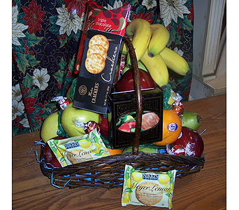 Deluxe Fruit Basket in Flint MI, Curtis Flower Shop