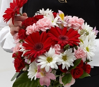 LOVE BOUQUET in Vienna VA, Vienna Florist & Gifts