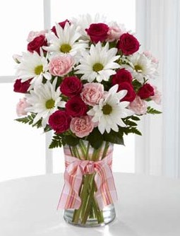 Sweet Surprises Bouquet - FTD in Fond Du Lac WI, Haentze Floral Co