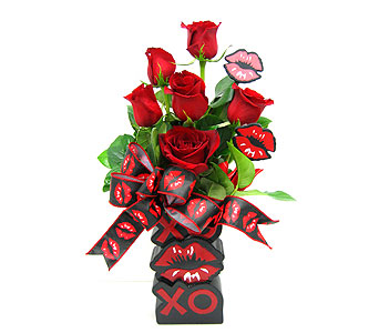 "VF125  ""Cute Kisses"" in Oklahoma City OK, Array of Flowers & Gifts"