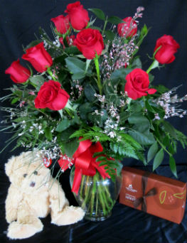 Love and Hugs in Farmington CT, Haworth's Flowers & Gifts, LLC.