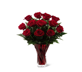 FTD� In Love with Red Roses in Bristol TN, Pippin Florist
