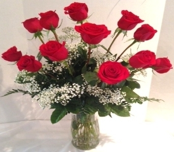 Classic Dozen Rose Bouquet in Gahanna OH, Rees Flowers & Gifts, Inc.