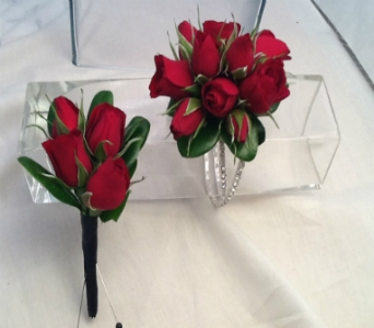 Red Spray Rose Corsage and Boutonni�re Set in Greenville SC, Expressions Unlimited
