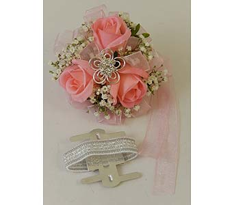 Pink Sweetheart Rose Wrist Corsage in Bloomington IL, Forget Me Not Flowers
