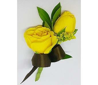 Yellow Spray Rose Boutonniere in Mesa AZ, Watson Flower Shops