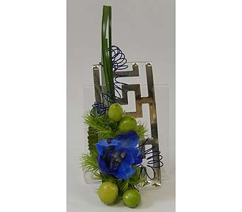 Magnetic Grecian Boutonniere Plate with Floral Acc in Bloomington IL, Forget Me Not Flowers