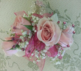 Pretty in Pink in Greenfield IN, Penny's Florist Shop, Inc.