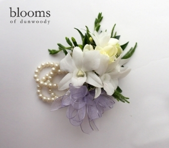 White Garden Mix Corsage with Pearl Bracelet in Dunwoody GA, Blooms of Dunwoody