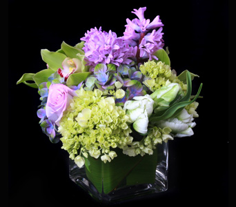 Lilac Touch in Darien CT, Nielsen's Florist And Garden Shop