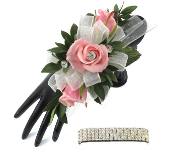 3 Pink Sweetheart Roses Wrist Corsage  in Southfield MI, Thrifty Florist