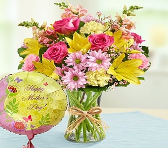 Bouquet and Balloon for Mom in Round Rock TX, Heart & Home Flowers