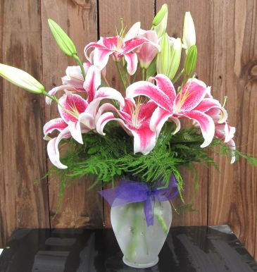 Lily Vase in Eagle River AK, Oopsie Daisy LLC.