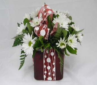 X's & O's in Santa Claus IN, Evergreen Flowers & Decor