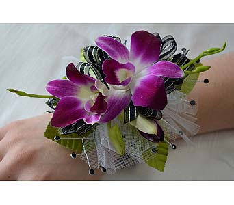 Fancy and Fabulous Corsage in Dearborn Heights MI, English Gardens Florist