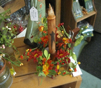 Candle in Oakland City IN, Sue's Flowers & Gifts