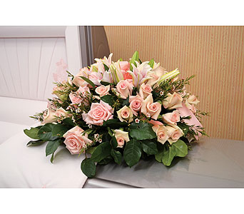 Soft and Flowing Casket Spray in Dearborn Heights MI, English Gardens Florist