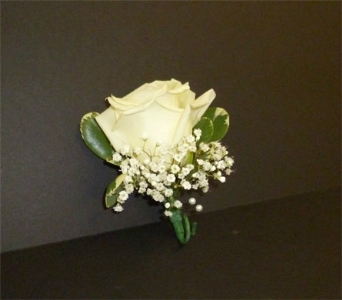 Single rose boutonniere in Weymouth MA, Hartstone Flower, Inc.