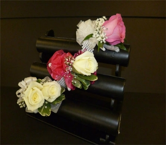 Single rose corsage in Weymouth MA, Hartstone Flower, Inc.