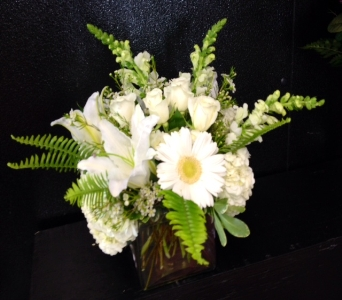 Bid Day Elegance Bouquet in Tuscaloosa AL, Pat's Florist & Gourmet Baskets, Inc.