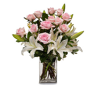 Kisses in Dearborn Heights MI, English Gardens Florist