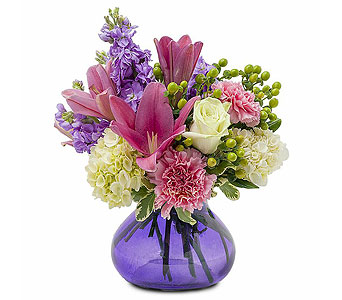 Hugs for Her in Harrisonburg VA, Blakemore's Flowers, LLC