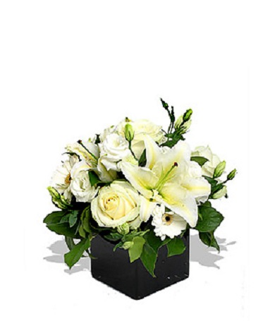 PEARLY WHITE BOUQUET in Vienna VA, Vienna Florist & Gifts