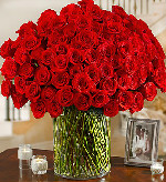 100 Premium Long Stem Red Roses in a Vase in Round Rock TX, Heart & Home Flowers